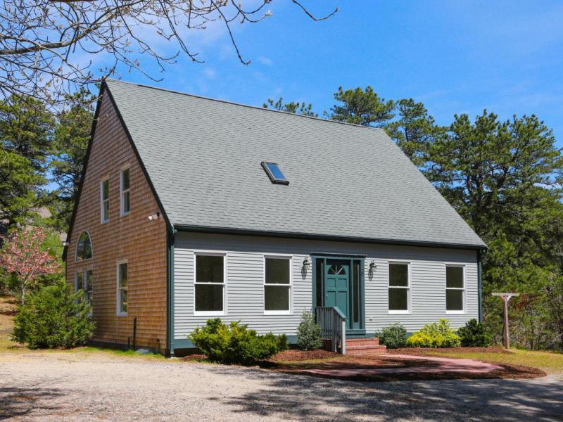 New  4 Bedroom Listing in Wellfleet!